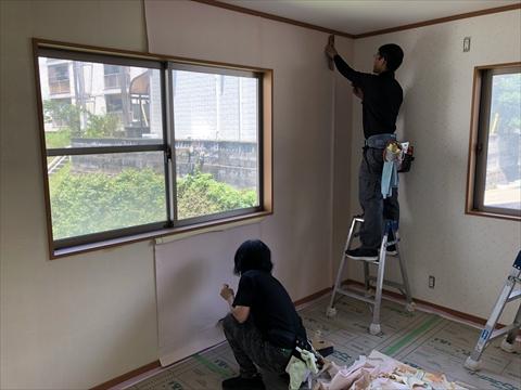壁紙張り替え作業
