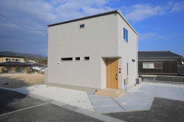 山口県光市の新築一戸建てです。