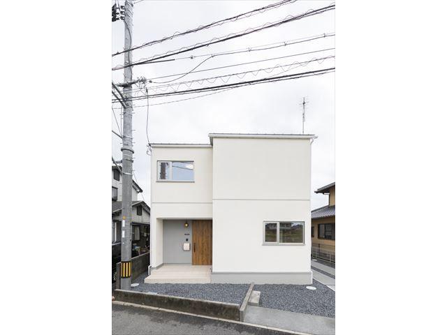 岩国市 新築注文住宅『コンパクトな広がりのある家』