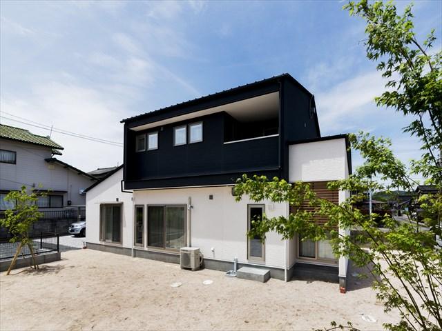 山口県 光市 新築注文住宅『家族を包む切妻の家』